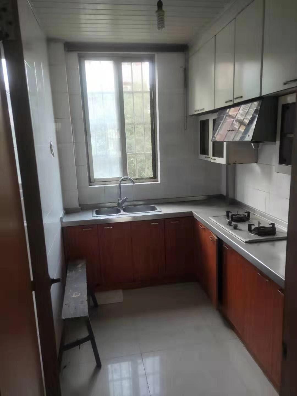 地铁口 安元佳苑精装两房房 中间楼层 看房随时 价格便宜